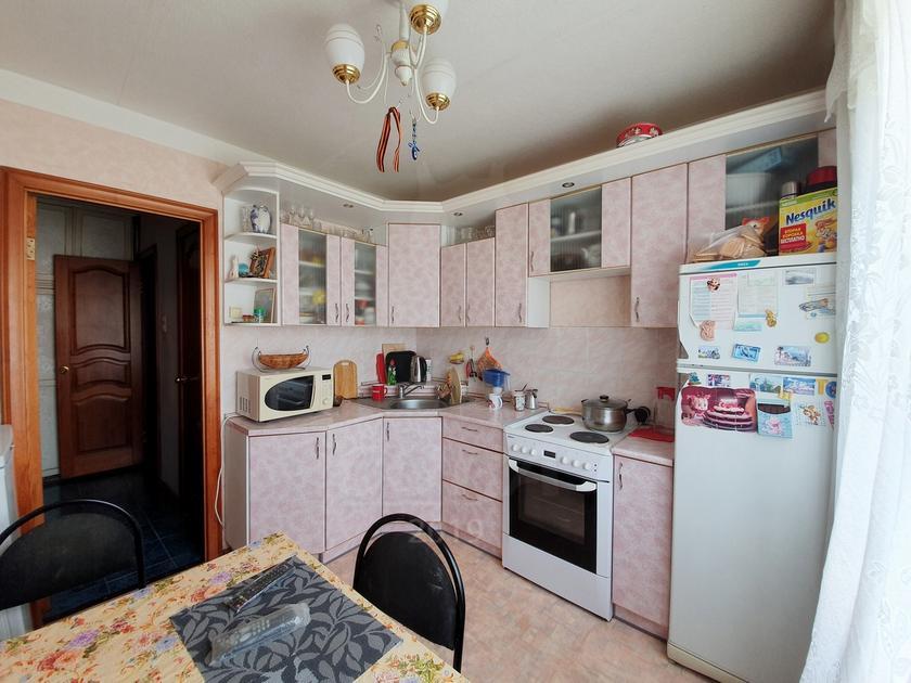 2 комнатная квартира  в Заречном 2 мкрн., ул. Солнечный проезд, 4, г. Тюмень