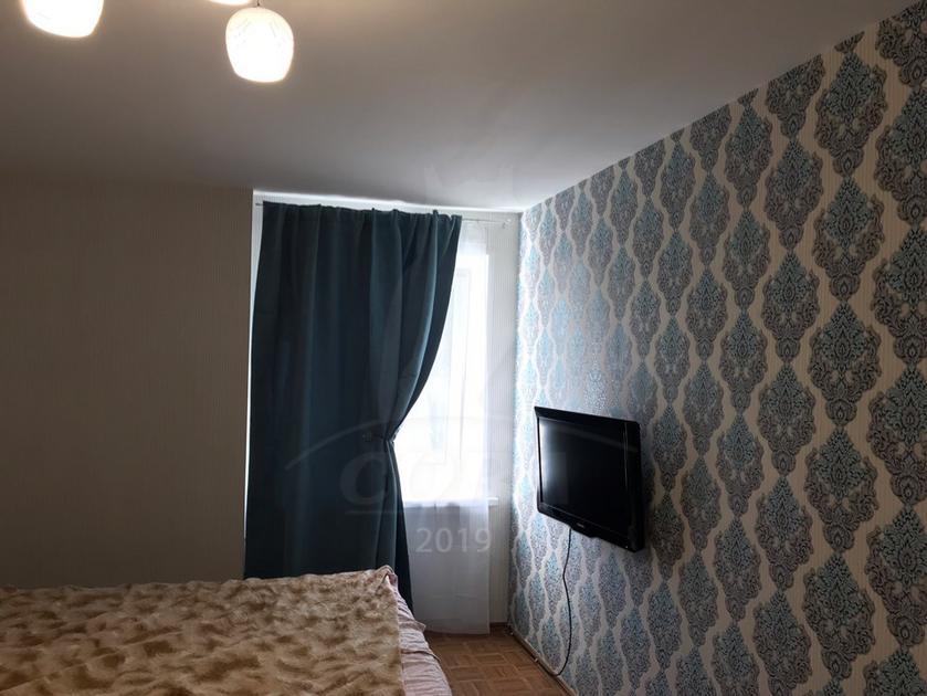 4 комнатная квартира  в районе ТЦ Магеллан, ул. 50 лет Октября, 26, г. Тюмень