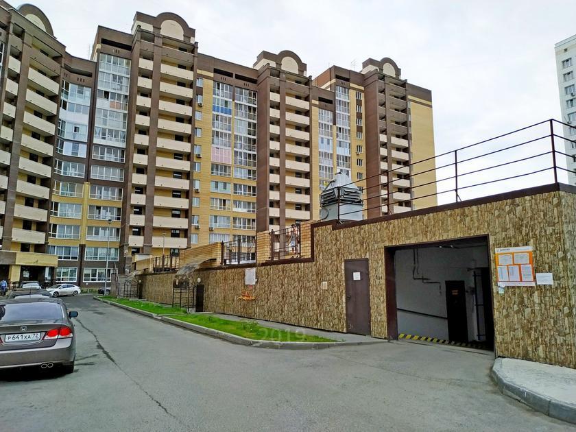 Парковочное место в Тюменском-3 мкрн., г. Тюмень, Подземный паркинг по ул. Зелинского 21