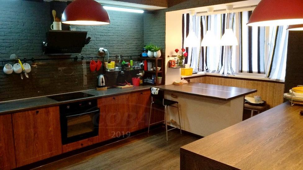 3 комнатная квартира  в районе Выставочного зала, ул. Севастопольская, 4, г. Тюмень