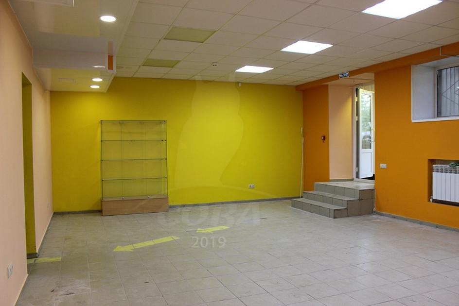 Нежилое помещение в жилом доме, аренда, в Тюменском мкрн., г. Тюмень