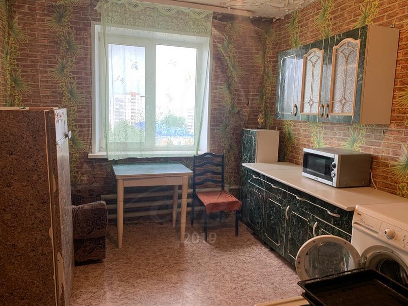 Комната в районе Нагорный Тобольск, ул. 6-й микрорайон, 28А, г. Тобольск