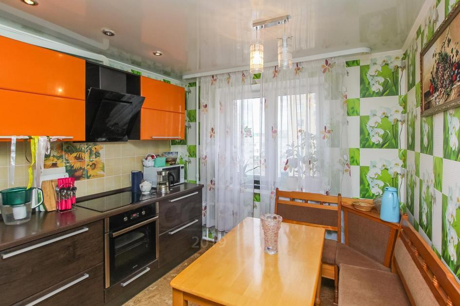 2 комнатная квартира  в Заречном мкрн., ул. Муравленко, 3, г. Тюмень