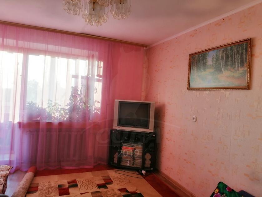 2 комнатная квартира  в Заречном мкрн., ул. Щербакова, 88, г. Тюмень