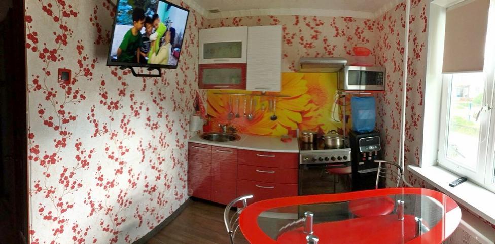 2 комнатная квартира  в районе Левобережье, ул. Раздольная, 7, г. Тобольск
