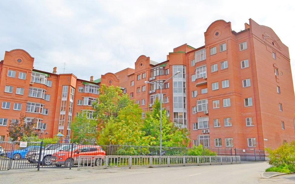 3 комнатная квартира  в районе Драмтеатра, ул. Карская, 36/2, г. Тюмень