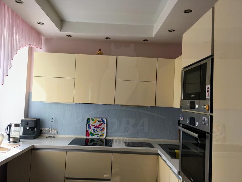 3 комнатная квартира  в центре Тюмени, ул. Орджоникидзе, 50А, г. Тюмень
