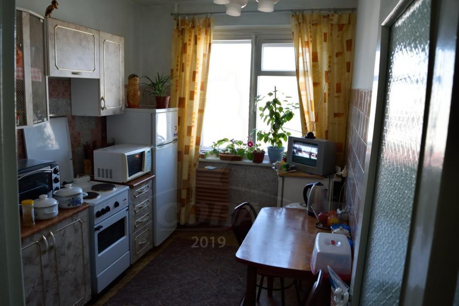 3 комнатная квартира  в 2 микрорайоне, ул. Олимпийская, 49, г. Тюмень
