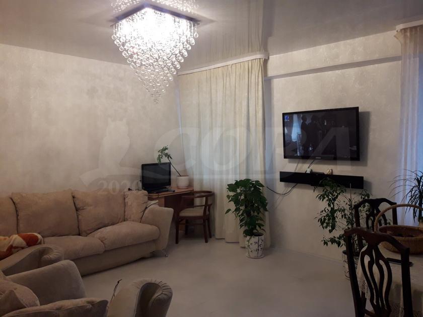 3 комнатная квартира  в Восточном 2 мкрн., ул. бульвар Бориса Щербины, 18, г. Тюмень