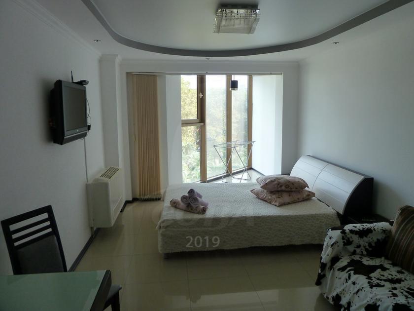 1 комнатная квартира  в центре, ул. Несебрская, 14, АК
