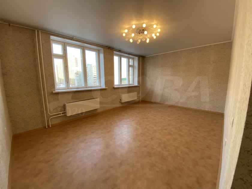 2 комнатная квартира  в Заречном 3 мкрн., ул. Газовиков, 45, г. Тюмень