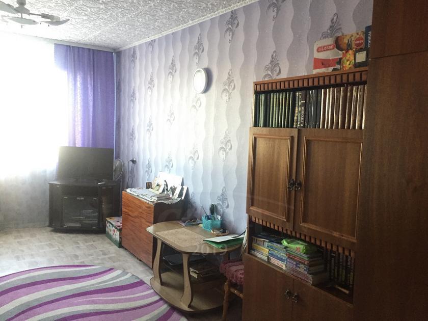 3 комнатная квартира  в 6 микрорайоне, ул. Широтная, 13, г. Тюмень