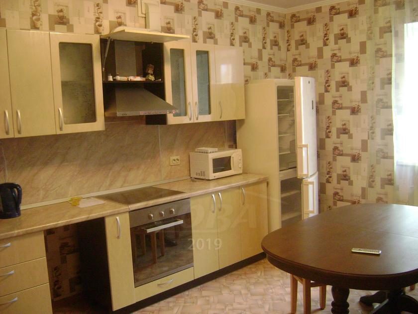2 комн. квартира в аренду в районе ул.Малыгина, ул. Салтыкова-Щедрина, г. Тюмень