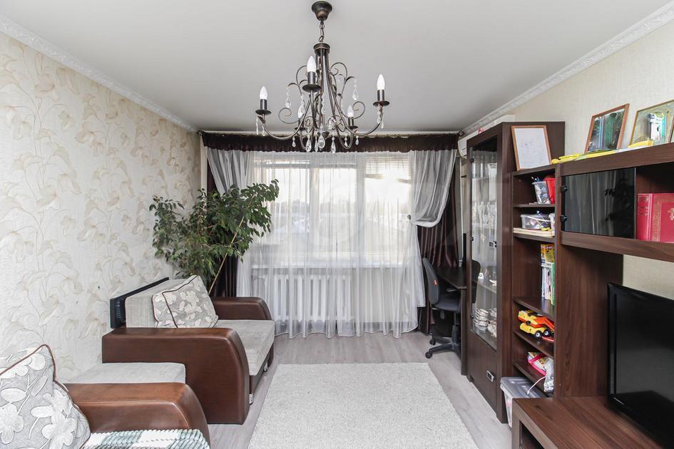 2 комнатная квартира  в 2 микрорайоне, ул. 30 лет победы, 96, г. Тюмень