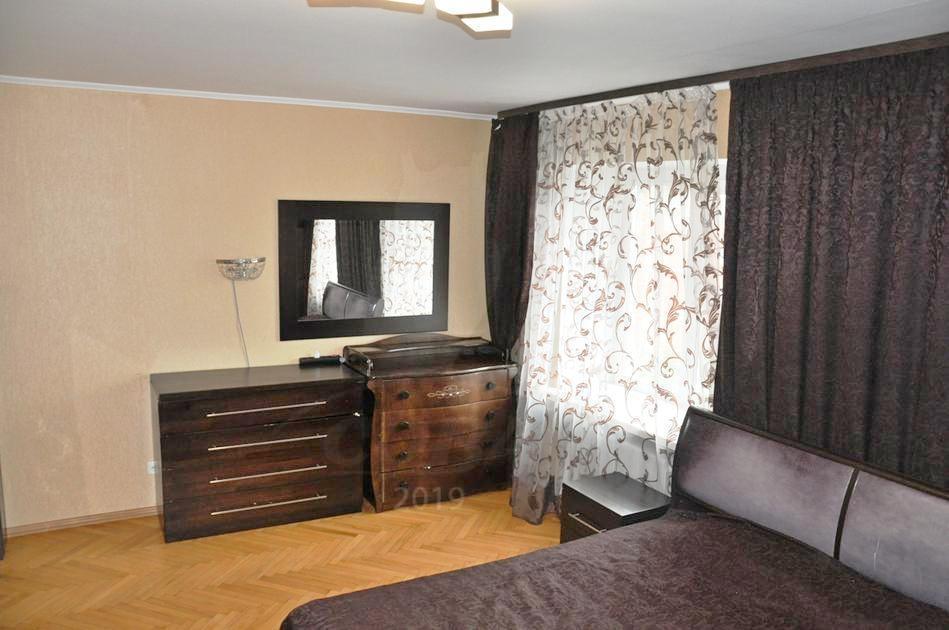 2 комнатная квартира  в историческом центре, ул. Орджоникидзе, 7, г. Тюмень