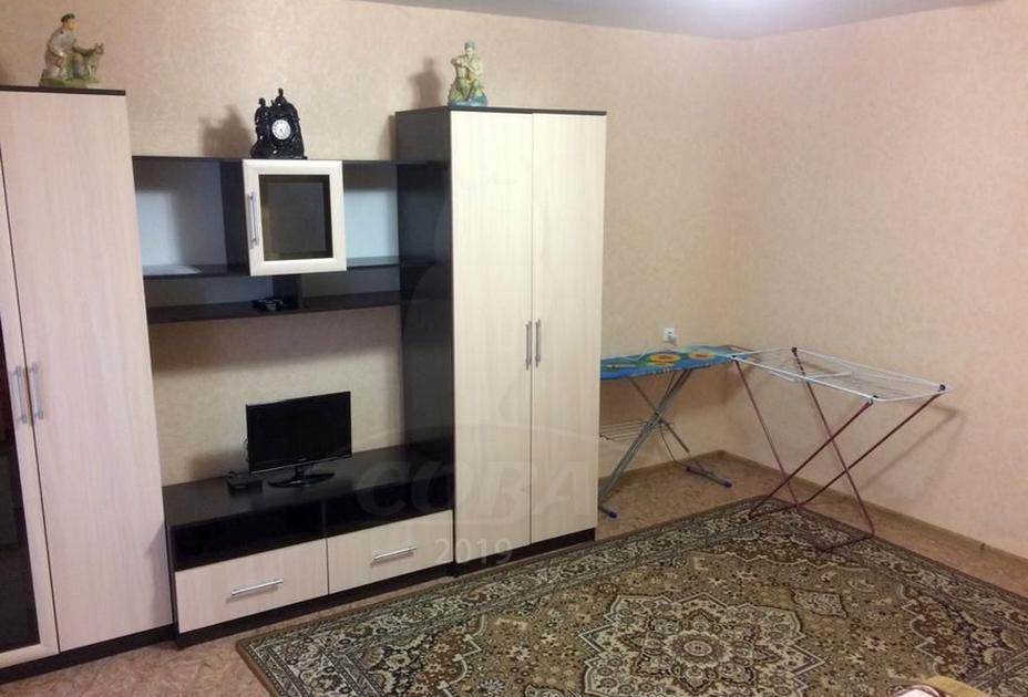 2 комнатная квартира  в районе Нагорный Тобольск, ул. 10-й микрорайон, 74, г. Тобольск