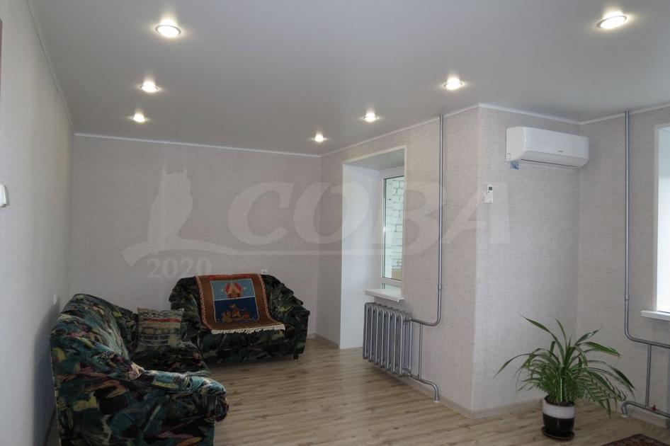 2 комнатная квартира  в районе Югра, ул. Велижанская, 72, г. Тюмень