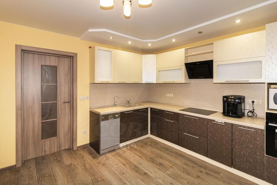 3 комнатная квартира  в районе Войновка, ул. бульвар Бориса Щербины, 13, г. Тюмень