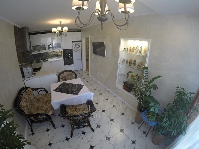 3 комнатная квартира  в Тюменском-4 мкрн., ул. Николая Зелинского, 19, ЖК «Семейный», г. Тюмень