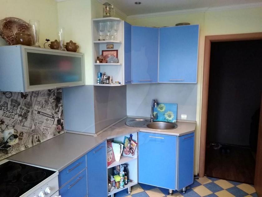 3 комнатная квартира  в Южном микрорайоне, ул. Ставропольская, 9, г. Тюмень