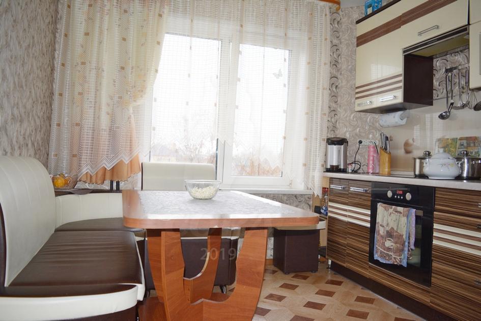 3 комнатная квартира  в районе Маяк, ул. Карла Маркса, 93, г. Тюмень