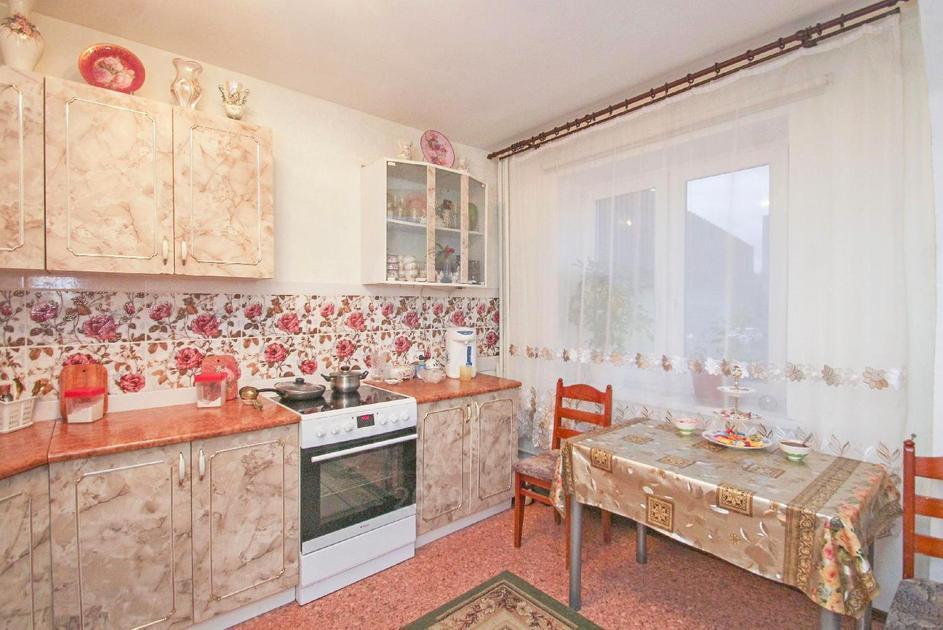 3 комнатная квартира  в районе Лесобаза (Тура), ул. Мебельщиков, 14, г. Тюмень