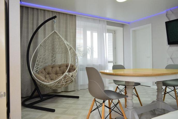 3 комнатная квартира  в Восточном мкрн., ул. Моторостроителей, 9, г. Тюмень