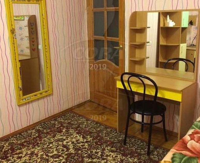 3 комнатная квартира  в районе Нагорный Тобольск, ул. 4-й микрорайон, 13, г. Тобольск
