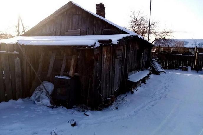 Ветхий дом, п. Луговской, по Московскому тракту