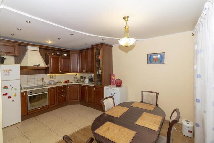 2 комнатная квартира  в Южном микрорайоне, ул. Червишевский тракт, 33А, г. Тюмень