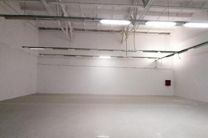 Нежилое помещение в торговом центре, продажа, в районе Дом Обороны (Авторемонтная), г. Тюмень