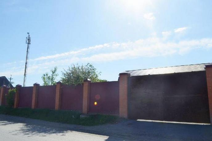 Недостроенный дом с баней, в районе Ожогина / Патрушева, д. Патрушева, по Червишевскому тракту