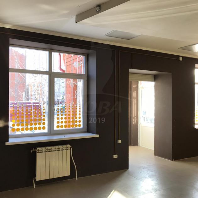 Нежилое помещение в отдельно стоящем здании, аренда, в районе Нагорный Тобольск, г. Тобольск