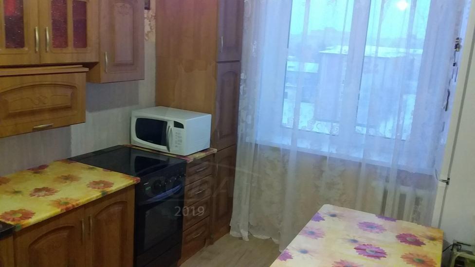 2 комнатная квартира  в районе Нагорный Тобольск, ул. 4-й микрорайон, 32, г. Тобольск