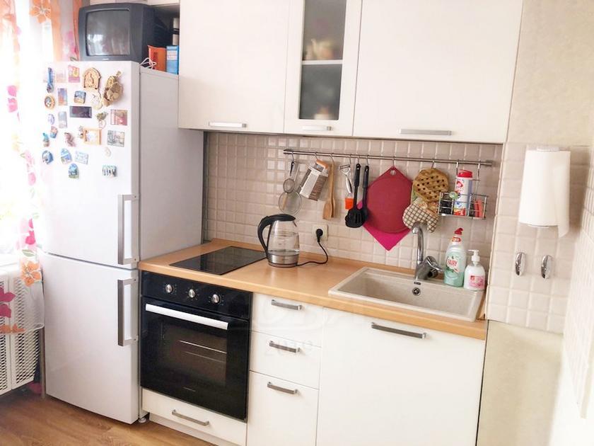 1 комнатная квартира  в Заречном мкрн., ул. Муравленко, 15А, г. Тюмень