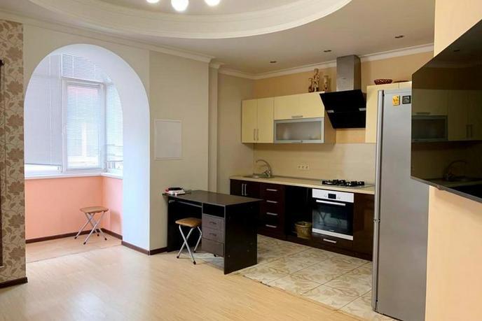 3 комнатная квартира  в районе Макаренко, ул. Олимпийская, 26, г. Сочи