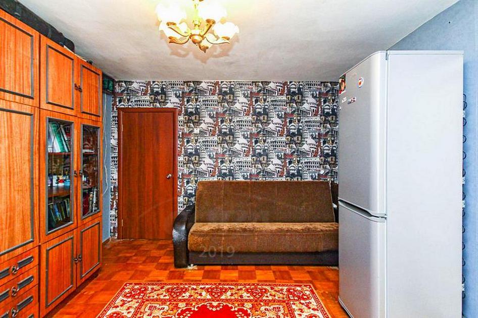 3 комнатная квартира  в районе КПД (Геологоразведчиков), ул. 50 лет ВЛКСМ, 81, г. Тюмень