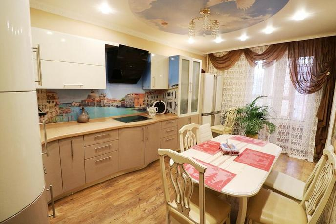 4 комнатная квартира  в районе устаревшее значение, ул. Николая Зелинского, 19, ЖК «Семейный», г. Тюмень