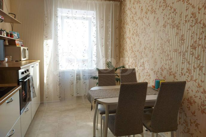 3 комнатная квартира  в районе пос. Утешево, ул. Анатолия Замкова, 14, г. Тюмень