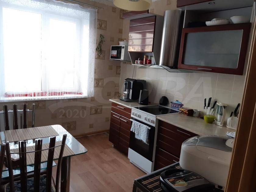 4 комнатная квартира  в районе Нагорный Тобольск, ул. 10-й микрорайон, 4А, г. Тобольск