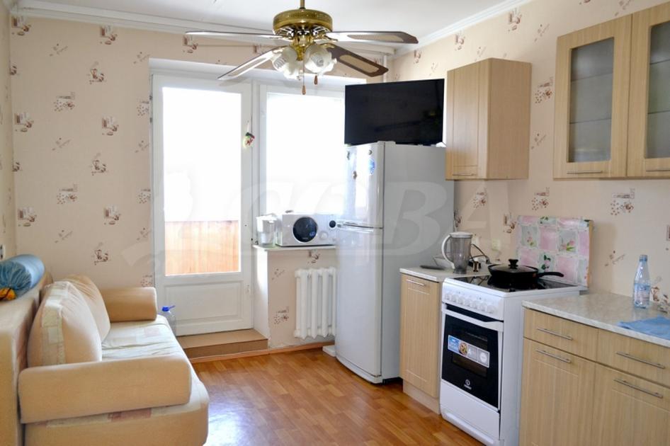 1 комнатная квартира  в районе Березняки, ул. Семена Дежнева, 3, г. Тюмень