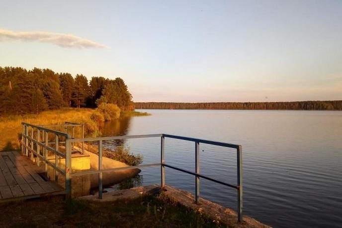 дом у озера с баней, д. Гурина, по Московскому тракту