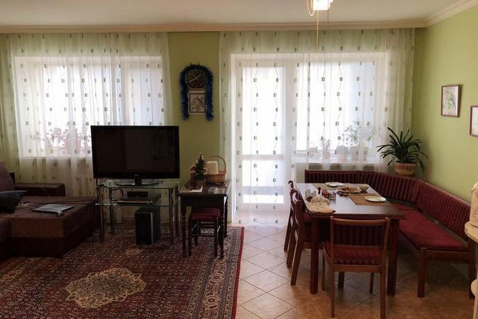 3 комнатная квартира  в историческом центре, ул. Семакова, 2, г. Тюмень