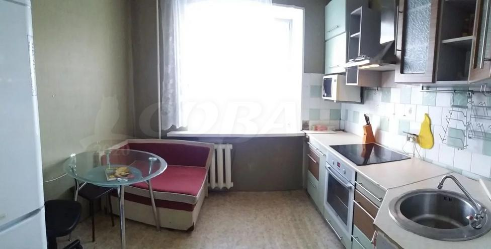 2 комн. квартира в аренду в районе Центральный, ул. Бажова, г. Сургут