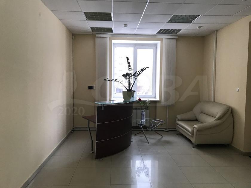 Офисное помещение в жилом доме, продажа, в районе Дома печати, г. Тюмень