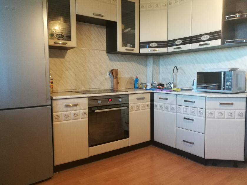2 комнатная квартира  в районе Выставочного зала, ул. Одесская, 48А, г. Тюмень