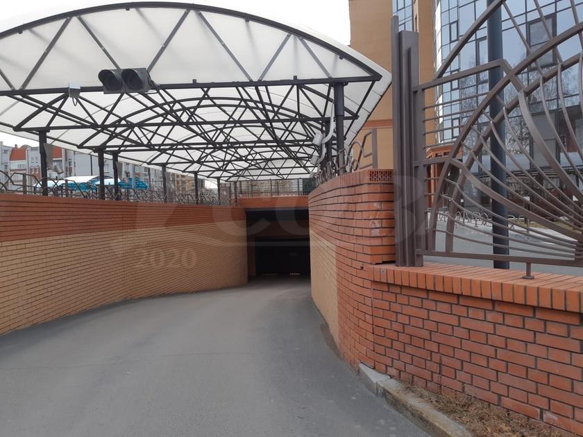 Парковочное место в районе Выставочного зала, г. Тюмень, Паркинг по ул. Пржевальского, д. 33, к. 1