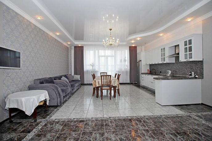 4 комнатная квартира  в деловом центре, ул. Достоевского, 7, Жилой дом на ул. Достоевского, г. Тюмень
