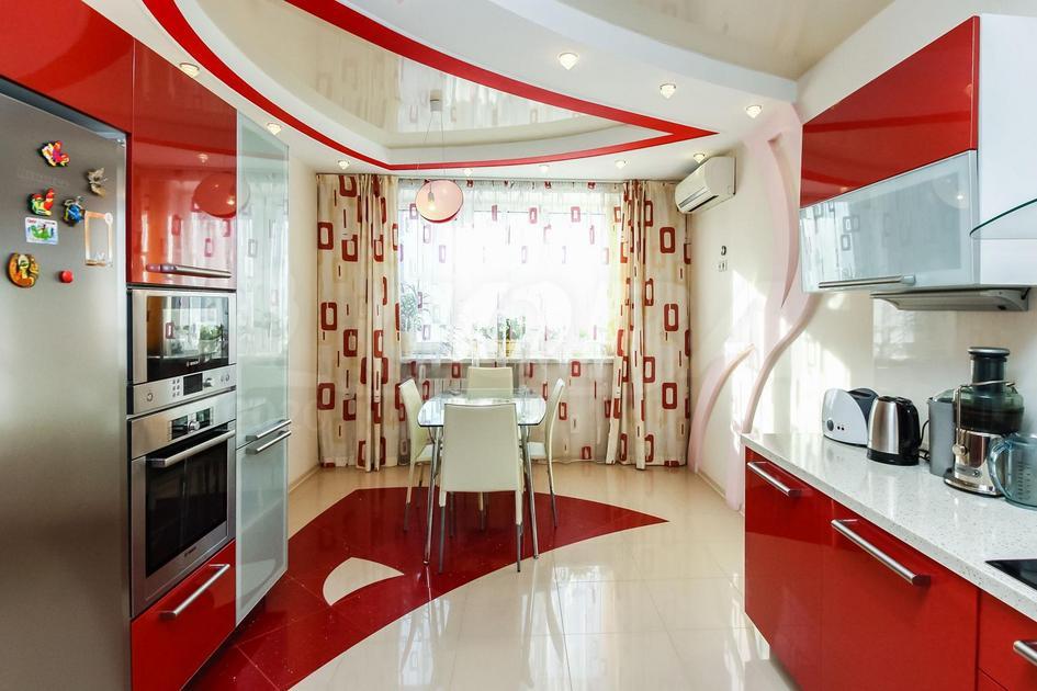 3 комнатная квартира  в районе ул.Малыгина, ул. Малыгина, 49, г. Тюмень