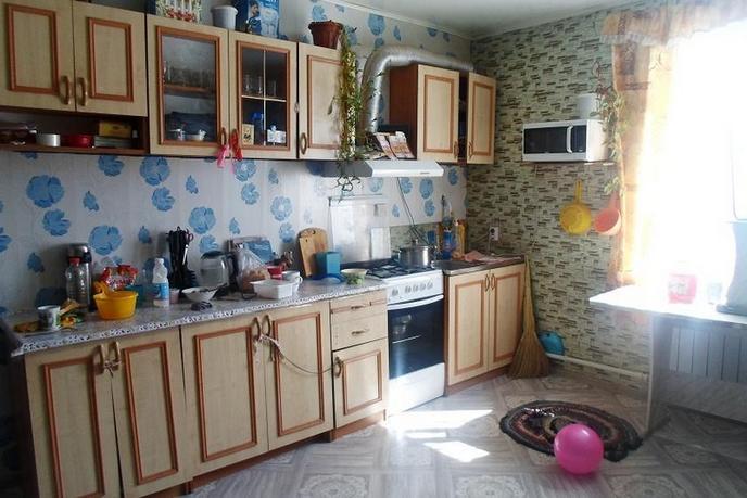 4 комнатная квартира , ул. 40 лет победы, 15, с. Красново